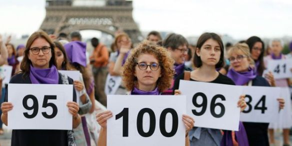 PHOTO-A-Paris-le-collectif-NousToutes-denonce-le-100eme-feminicide-de-l-annee